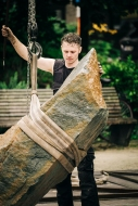 Theater op de Markt. NICK STEUR/STICHTING SOAP met de productie A PIECE OF 2 | BALANCING HUMAN SIZED ROCKS